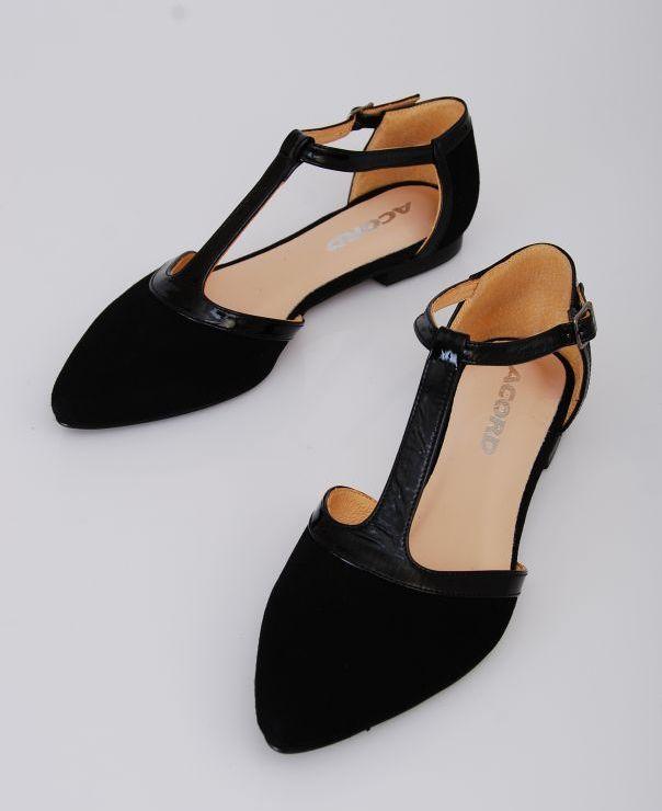 Czarne sandały 8702-012/042