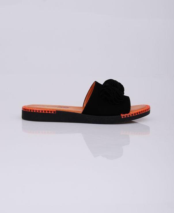 Czarne klapki 8715-012