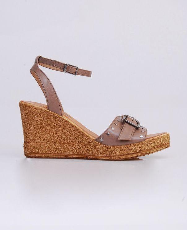 Sandały na koturnie 8677-KAKAO